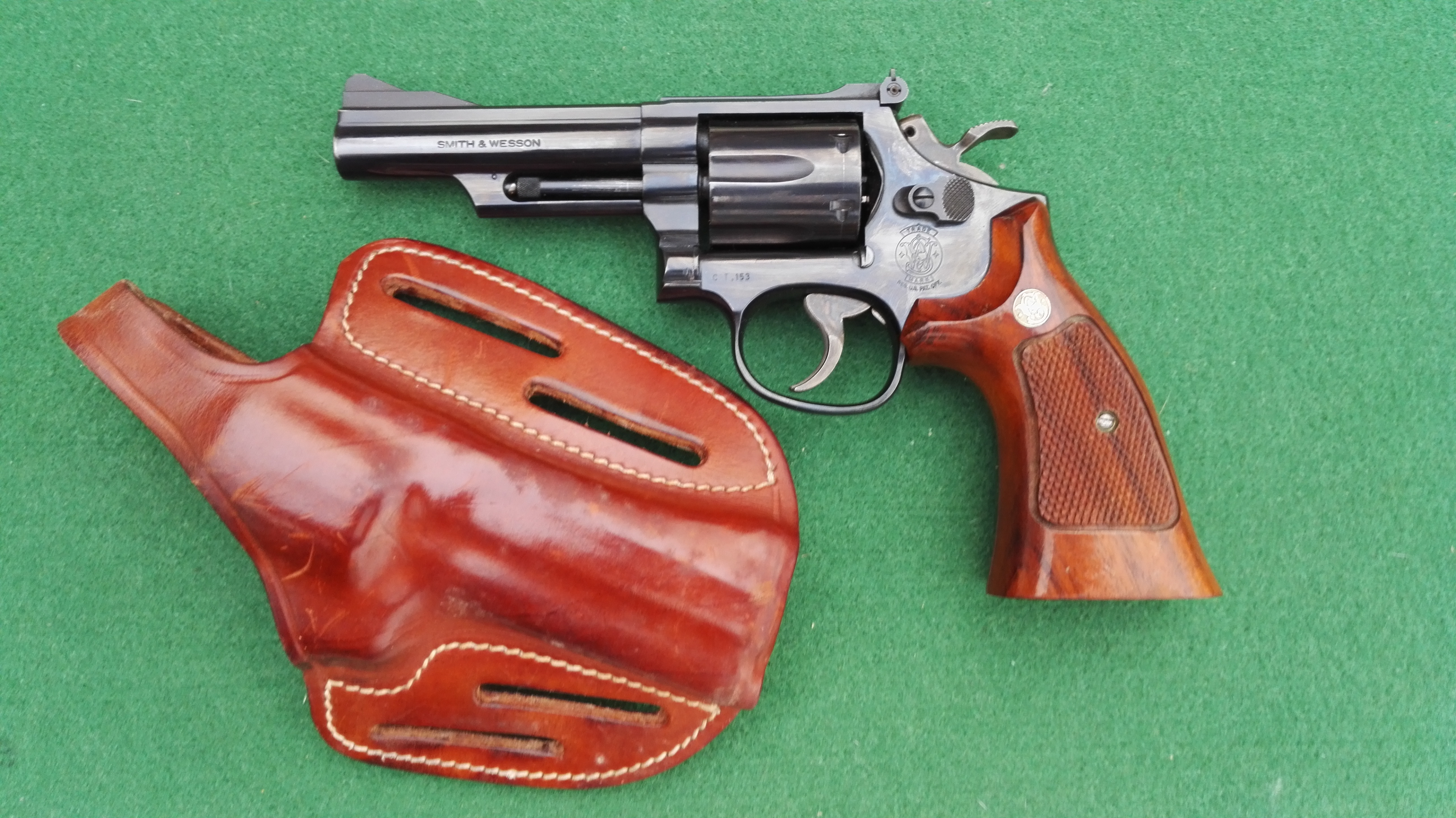Revolver - marca SMITH & WESSON - modello  	SMITH & WESSON MOD. 19-5 COMBAT MAGNUM - calibro 357MAG 333